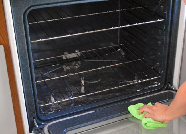 Limpieza del cristal del horno
