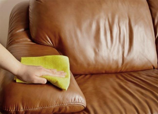 manchas en sofás de cuero