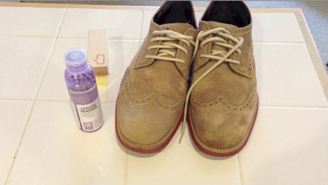 ddb4ab15 Entre las principales manchas de suciedad que podemos encontrar en los  zapatos de ante beige, son las de grasa o aceite, las cuales son muy  difíciles de ...