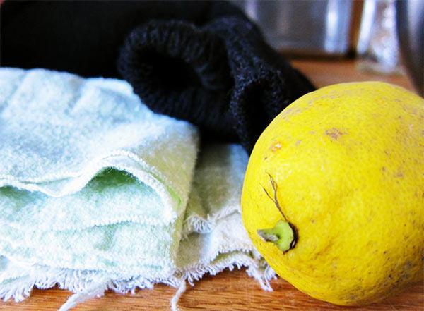 quitar manchas amarillas con limón