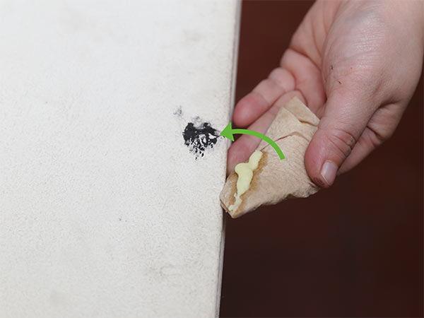 quitar manchas de boli del plástico