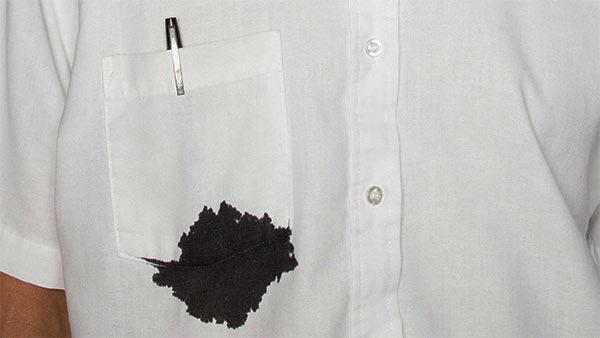 quitar manchas de boli de la ropa blanca