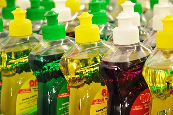 quitar manchas de aceite con lavavajillas