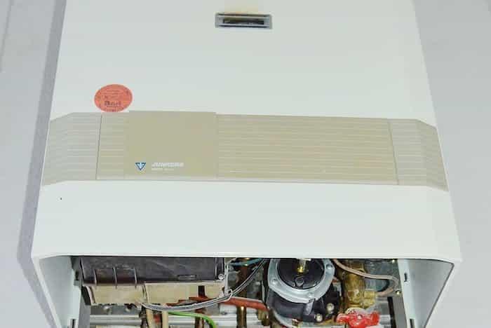 Realizar el mantenimiento y limpieza completa de una caldera